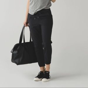 Lululemon | &go On the Go Jogger Black